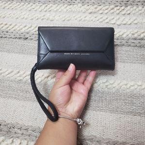 MARC BY MARC JACOBS Black Wallet Wristlet